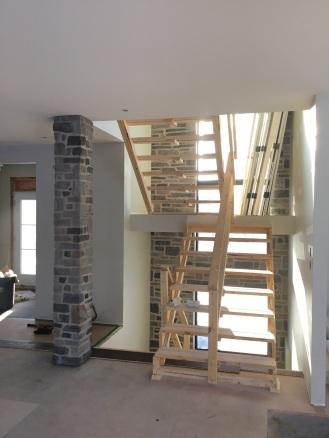 Cage d'escalier en pierres