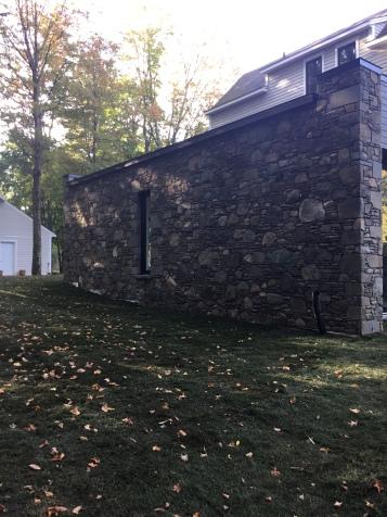 Mur extérieur en pierres naturelles