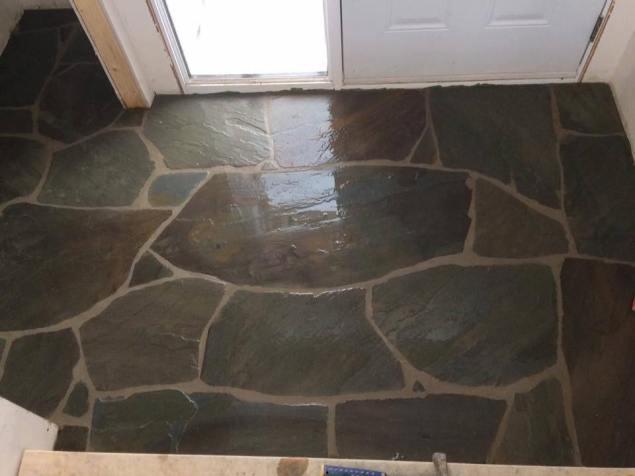 Plancher en pierres naturelles